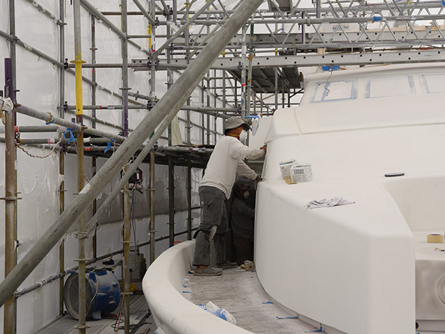 Boat Hullside Painting | Gulf Marine Yachtworks Fort Myers Beach Location | Boat Mechanic - Repair & Maintenance Services